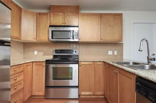 """Photo 10: 701 415 E COLUMBIA Street in New Westminster: Sapperton Condo for sale in """"San Marino"""" : MLS®# R2388782"""