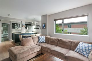 """Photo 4: 303 1166 W 11TH Avenue in Vancouver: Fairview VW Condo for sale in """"Westview Place"""" (Vancouver West)  : MLS®# R2403885"""