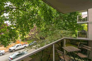 """Photo 15: 303 1166 W 11TH Avenue in Vancouver: Fairview VW Condo for sale in """"Westview Place"""" (Vancouver West)  : MLS®# R2403885"""