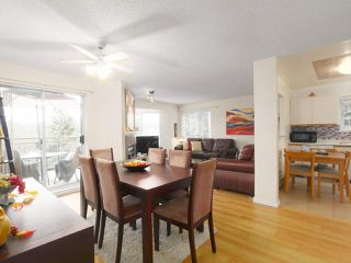 "Photo 2: 110 1215 LANSDOWNE Drive in Coquitlam: Upper Eagle Ridge Townhouse for sale in ""Sunridge Estates"" : MLS®# R2409261"