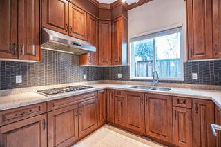 """Photo 9: 4146 GILPIN Crescent in Burnaby: Garden Village House for sale in """"GARDEN VILLAGE"""" (Burnaby South)  : MLS®# R2424746"""