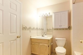 """Photo 17: 176 8737 212 Street in Langley: Walnut Grove Townhouse for sale in """"Chartwell Green"""" : MLS®# R2434917"""