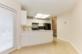 """Photo 9: 176 8737 212 Street in Langley: Walnut Grove Townhouse for sale in """"Chartwell Green"""" : MLS®# R2434917"""