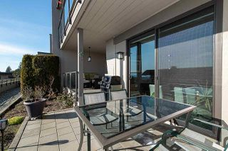 """Photo 4: 38 2216 FOLKESTONE Way in West Vancouver: Panorama Village Townhouse for sale in """"Panarama Village"""" : MLS®# R2437160"""
