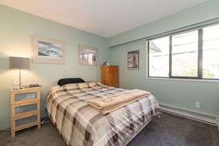"""Photo 18: 38 2216 FOLKESTONE Way in West Vancouver: Panorama Village Townhouse for sale in """"Panarama Village"""" : MLS®# R2437160"""