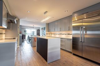 """Photo 6: 38 2216 FOLKESTONE Way in West Vancouver: Panorama Village Townhouse for sale in """"Panarama Village"""" : MLS®# R2437160"""