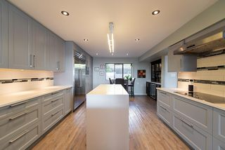 """Photo 7: 38 2216 FOLKESTONE Way in West Vancouver: Panorama Village Townhouse for sale in """"Panorama Village"""" : MLS®# R2437160"""