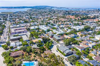 Photo 2: PACIFIC BEACH House for sale : 3 bedrooms : 4801 Academy St in San Diego