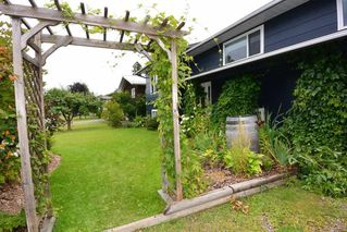 """Photo 3: 4042 9TH Avenue in Smithers: Smithers - Town House for sale in """"Walnut Park"""" (Smithers And Area (Zone 54))  : MLS®# R2487827"""