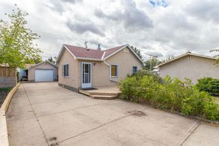 Photo 3: 5613 51 Street: Olds Detached for sale : MLS®# A1030380