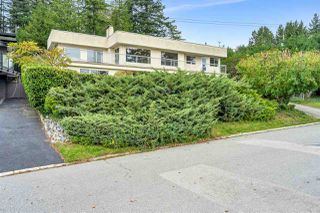 "Photo 1: 14887 HARDIE Avenue: White Rock House for sale in ""White Rock"" (South Surrey White Rock)  : MLS®# R2509233"
