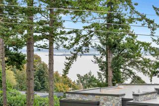 "Photo 10: 14887 HARDIE Avenue: White Rock House for sale in ""White Rock"" (South Surrey White Rock)  : MLS®# R2509233"