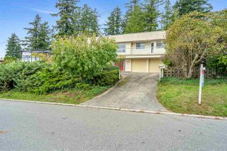 "Photo 7: 14887 HARDIE Avenue: White Rock House for sale in ""White Rock"" (South Surrey White Rock)  : MLS®# R2509233"