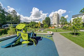 "Photo 6: 3001 6638 DUNBLANE Avenue in Burnaby: Metrotown Condo for sale in ""Midori by Polygon"" (Burnaby South)  : MLS®# R2525894"