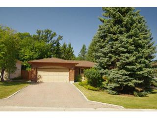 Photo 2: 23 Elmvale Crescent in WINNIPEG: Charleswood Residential for sale (South Winnipeg)  : MLS®# 1115426