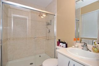 Photo 9: 73 18221 68 Avenue in Surrey: Cloverdale Townhouse for sale : MLS®# F1002771