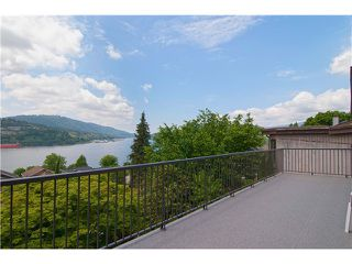 Photo 3: 34 AXFORD Bay in Port Moody: Barber Street House for sale : MLS®# V1069252