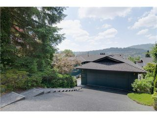 Photo 2: 34 AXFORD Bay in Port Moody: Barber Street House for sale : MLS®# V1069252