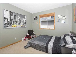 Photo 12: 237 NEW BRIGHTON Lane SE in CALGARY: New Brighton Residential Detached Single Family for sale (Calgary)  : MLS®# C3635348