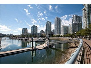 "Photo 3: 2608 1033 MARINASIDE Crescent in Vancouver: Yaletown Condo for sale in ""QUAY WEST 1"" (Vancouver West)  : MLS®# V1089970"
