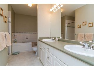 """Photo 14: 17 2525 YALE Court in Abbotsford: Abbotsford East Townhouse for sale in """"YALE COURT"""" : MLS®# F1428464"""