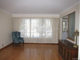 Photo 2: 438 Neil Avenue in WINNIPEG: East Kildonan Residential for sale (North East Winnipeg)  : MLS®# 1503589