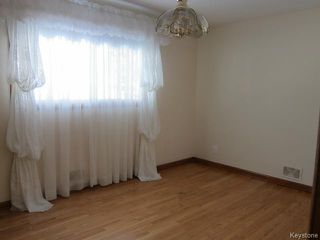 Photo 6: 438 Neil Avenue in WINNIPEG: East Kildonan Residential for sale (North East Winnipeg)  : MLS®# 1503589