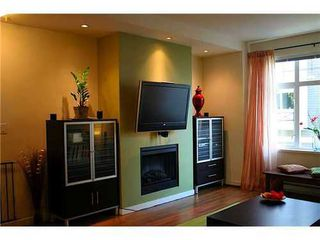Photo 3: 3852 WELWYN Street in Vancouver East: Victoria VE Home for sale ()  : MLS®# V832798