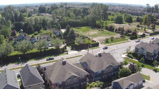 "Photo 6: D1 19319 72ND Avenue in Surrey: Clayton Townhouse for sale in ""Rhapsody Hills"" (Cloverdale)  : MLS®# R2052012"