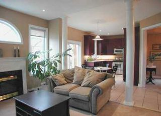 Photo 7: 34 Grapevine Circ in SCARBOROUGH: House (2-Storey) for sale (E11: TORONTO)  : MLS®# E1023527