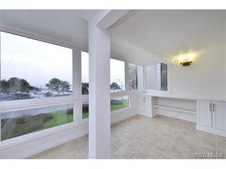 Photo 4: 206 1312 Beach Dr in VICTORIA: OB South Oak Bay Condo Apartment for sale (Oak Bay)  : MLS®# 734023