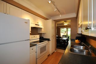 """Photo 3: 2 32139 7TH Avenue in Mission: Mission BC Townhouse for sale in """"Quinto Estates"""" : MLS®# R2090936"""