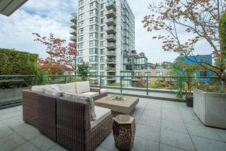 "Photo 15: 1451 W 7TH Avenue in Vancouver: Fairview VW Townhouse for sale in ""SIENNA @ PORTICO"" (Vancouver West)  : MLS®# R2107774"