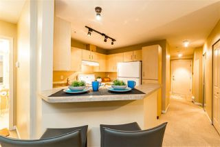 """Photo 10: C10 332 LONSDALE Avenue in North Vancouver: Lower Lonsdale Condo for sale in """"The Calypso"""" : MLS®# R2124887"""