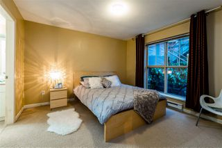 """Photo 1: C10 332 LONSDALE Avenue in North Vancouver: Lower Lonsdale Condo for sale in """"The Calypso"""" : MLS®# R2124887"""