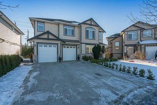 Photo 1: 70 MELAN Court in Abbotsford: Poplar House for sale : MLS®# R2131035