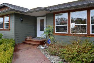 Main Photo: 6239 SUNRISE Boulevard in Sechelt: Sechelt District House for sale (Sunshine Coast)  : MLS®# R2156873