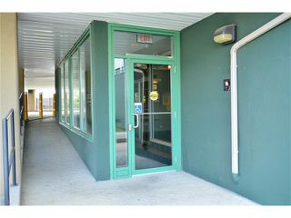 Photo 5: 209 3101 34 Avenue NW in Calgary: Varsity Condo for sale : MLS®# C4113505