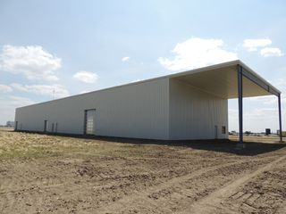Photo 2: 118 Jahn Street in Estevan: Industrial/Commercial for sale