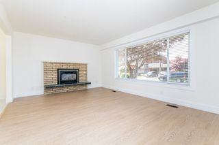 """Photo 3: 32741 BOULT Avenue in Abbotsford: Abbotsford West House for sale in """"CENTRAL ABBOTSFORD"""" : MLS®# R2169635"""