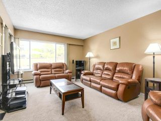 """Photo 2: 17 9111 NO. 5 Road in Richmond: Ironwood Townhouse for sale in """"KINGSWOOD DOWNES"""" : MLS®# R2183994"""