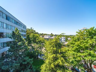 "Photo 12: 620 1445 MARPOLE Avenue in Vancouver: Fairview VW Condo for sale in ""Hycroft Towers"" (Vancouver West)  : MLS®# R2186521"
