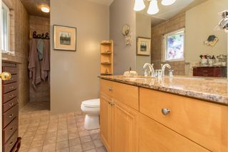 "Photo 13: 1004 TOBERMORY Way in Squamish: Garibaldi Highlands House for sale in ""Garibaldi Highlands"" : MLS®# R2193419"