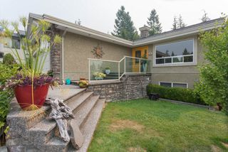 "Photo 2: 1004 TOBERMORY Way in Squamish: Garibaldi Highlands House for sale in ""Garibaldi Highlands"" : MLS®# R2193419"