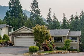 "Main Photo: 1004 TOBERMORY Way in Squamish: Garibaldi Highlands House for sale in ""Garibaldi Highlands"" : MLS®# R2193419"