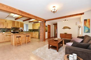 Photo 2: 3328 MONMOUTH Avenue in Vancouver: Collingwood VE House for sale (Vancouver East)  : MLS®# R2204492