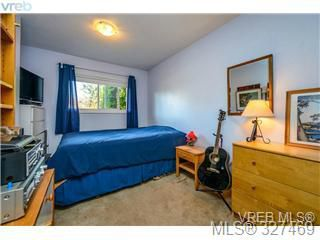 Photo 14: 1 1705 Feltham Road in VICTORIA: SE Lambrick Park Townhouse for sale (Saanich East)  : MLS®# 327469