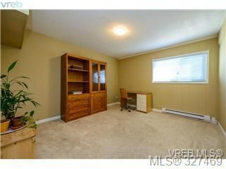 Photo 15: 1 1705 Feltham Road in VICTORIA: SE Lambrick Park Townhouse for sale (Saanich East)  : MLS®# 327469