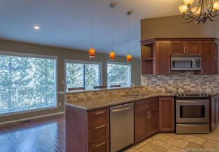 Photo 8: 681 Cassiar Crescent, in Kelowna: House for sale : MLS®# 10152287