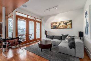 Photo 3: 6 876 E GEORGIA Street in Vancouver: Mount Pleasant VE Condo for sale (Vancouver East)  : MLS®# R2248918
